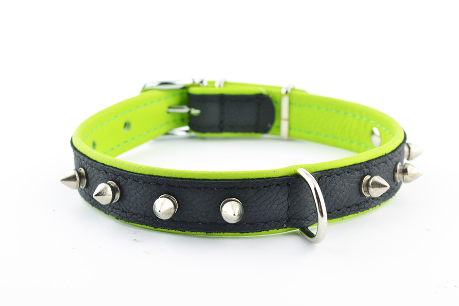 1370 Leather collar with spikes