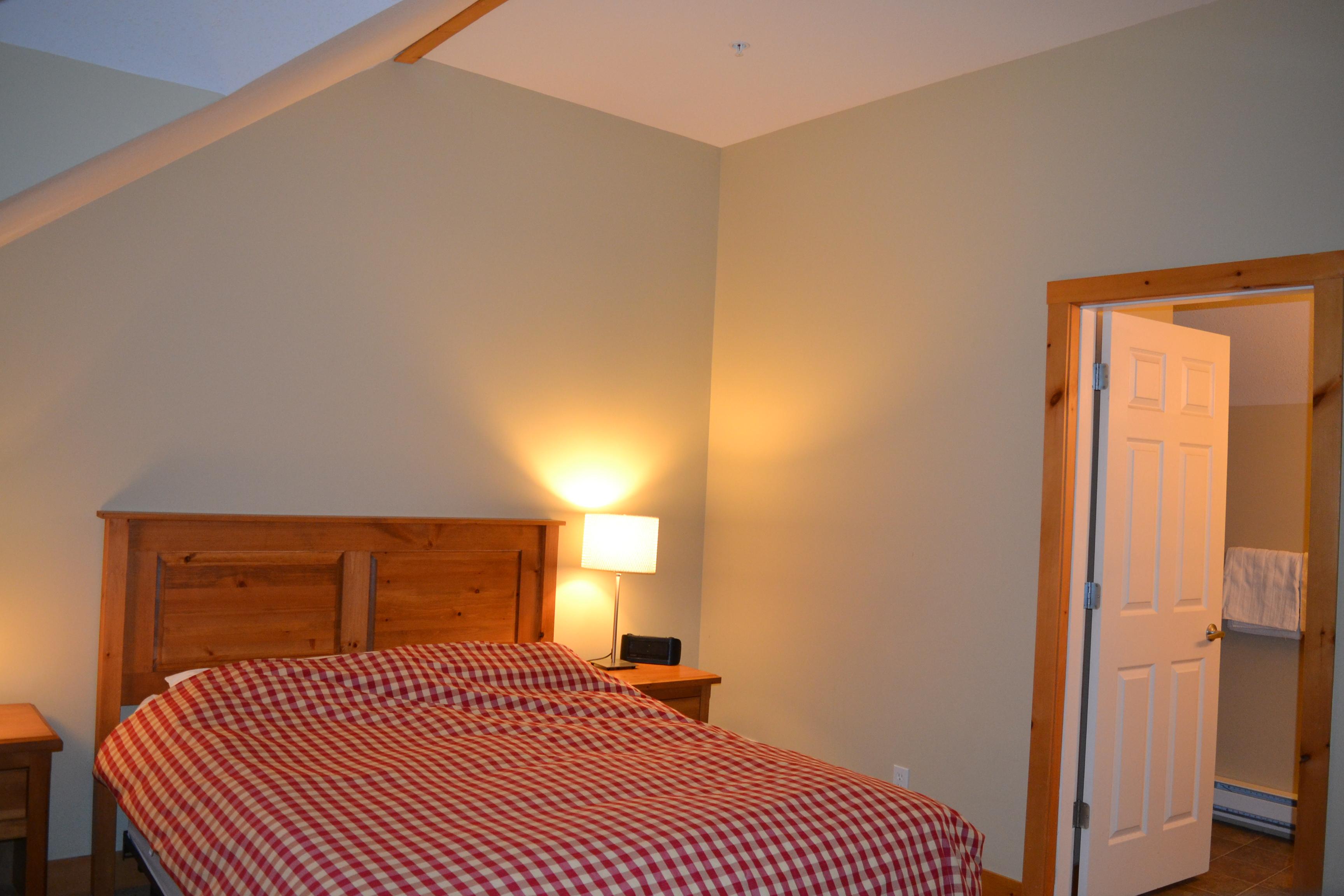 KR410 - Master Bedroom