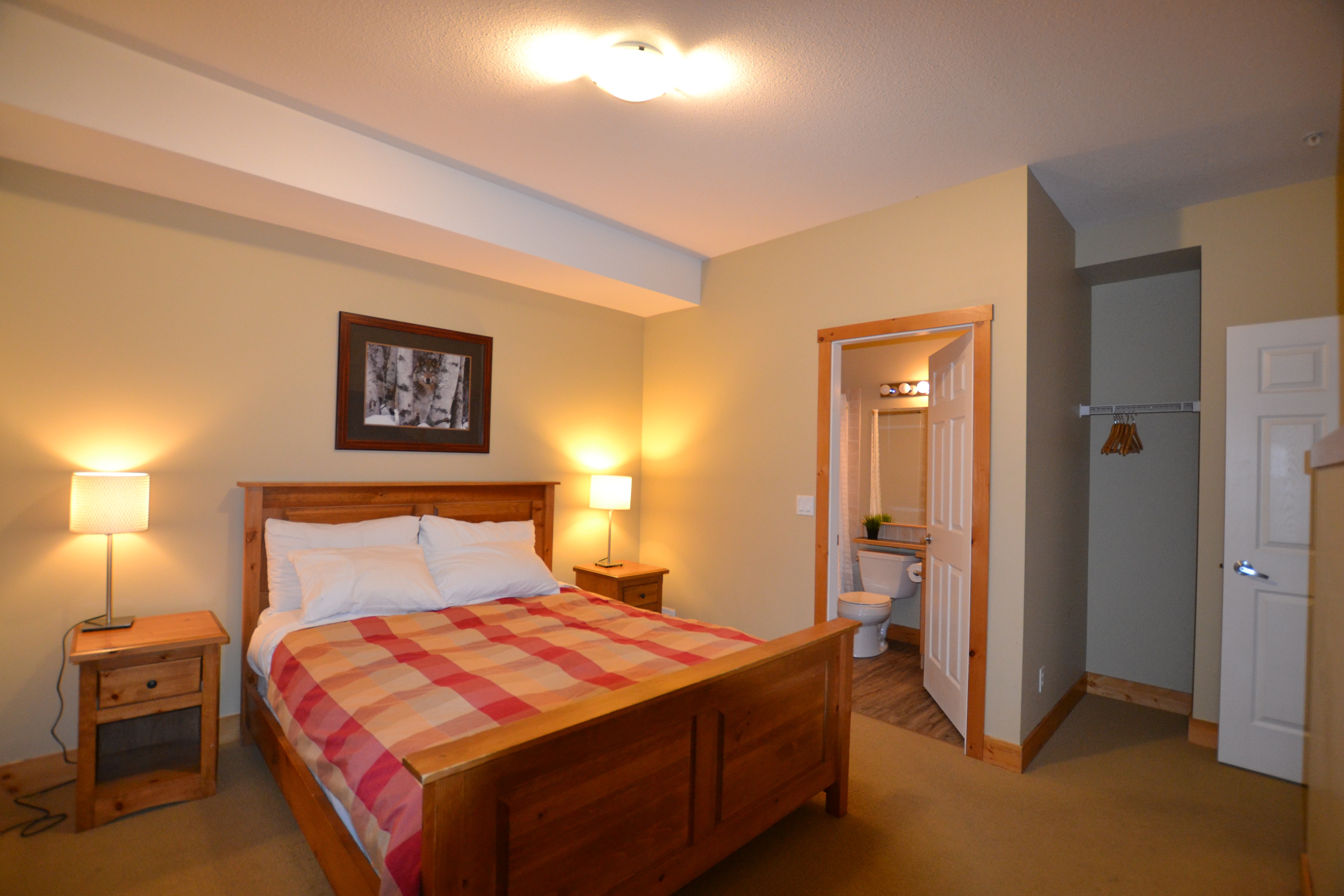 410 Bdrm 1( Main Floor)