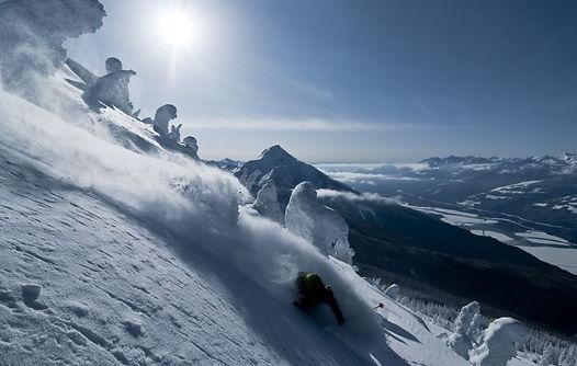 Ski and Tours Revelstoke Mountain Resort Powder Highway Canada