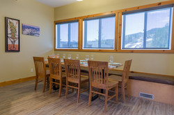 KR411 NL Dining Table to Ski Hill