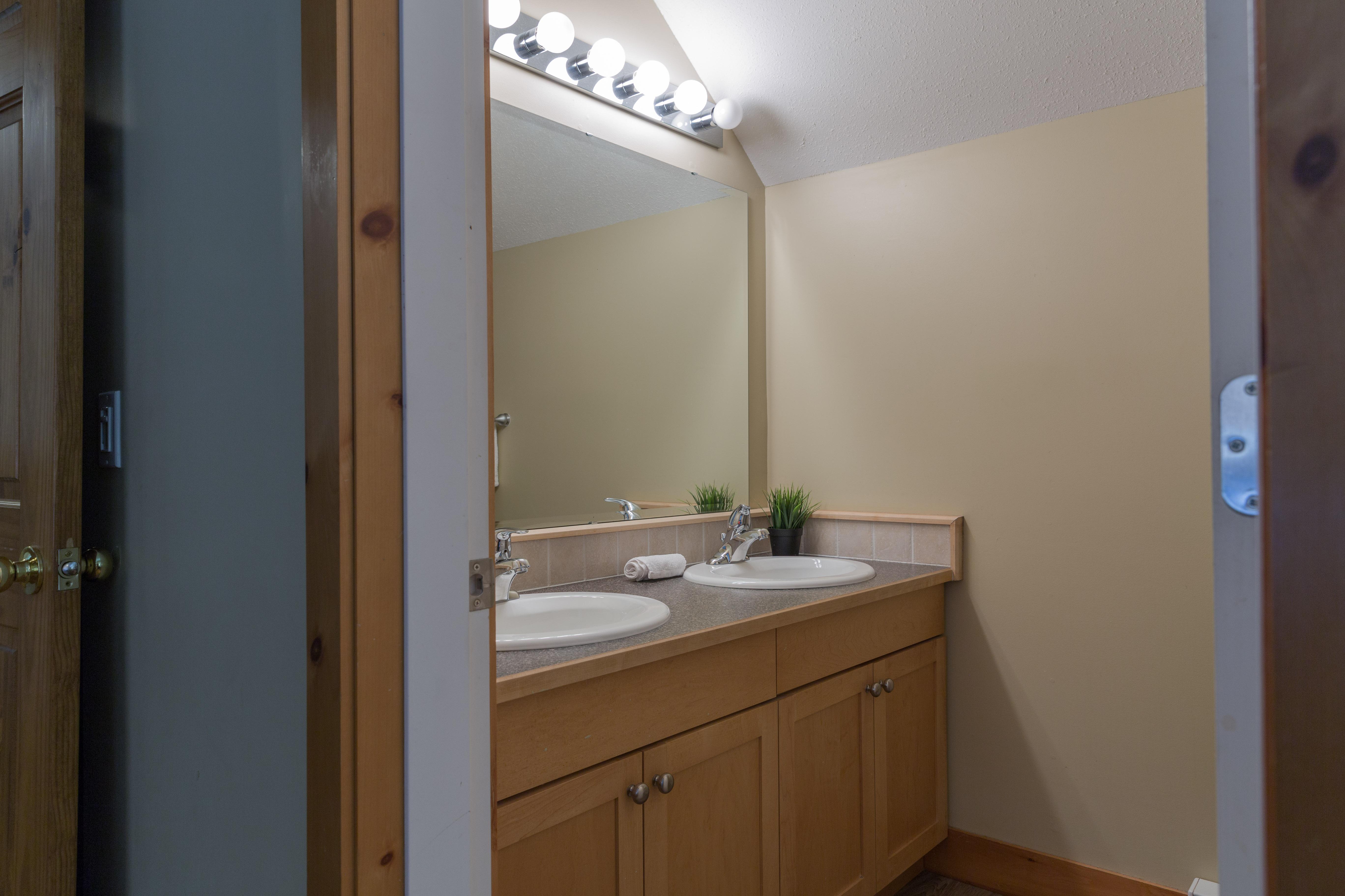 KR411 NL Bathroom3
