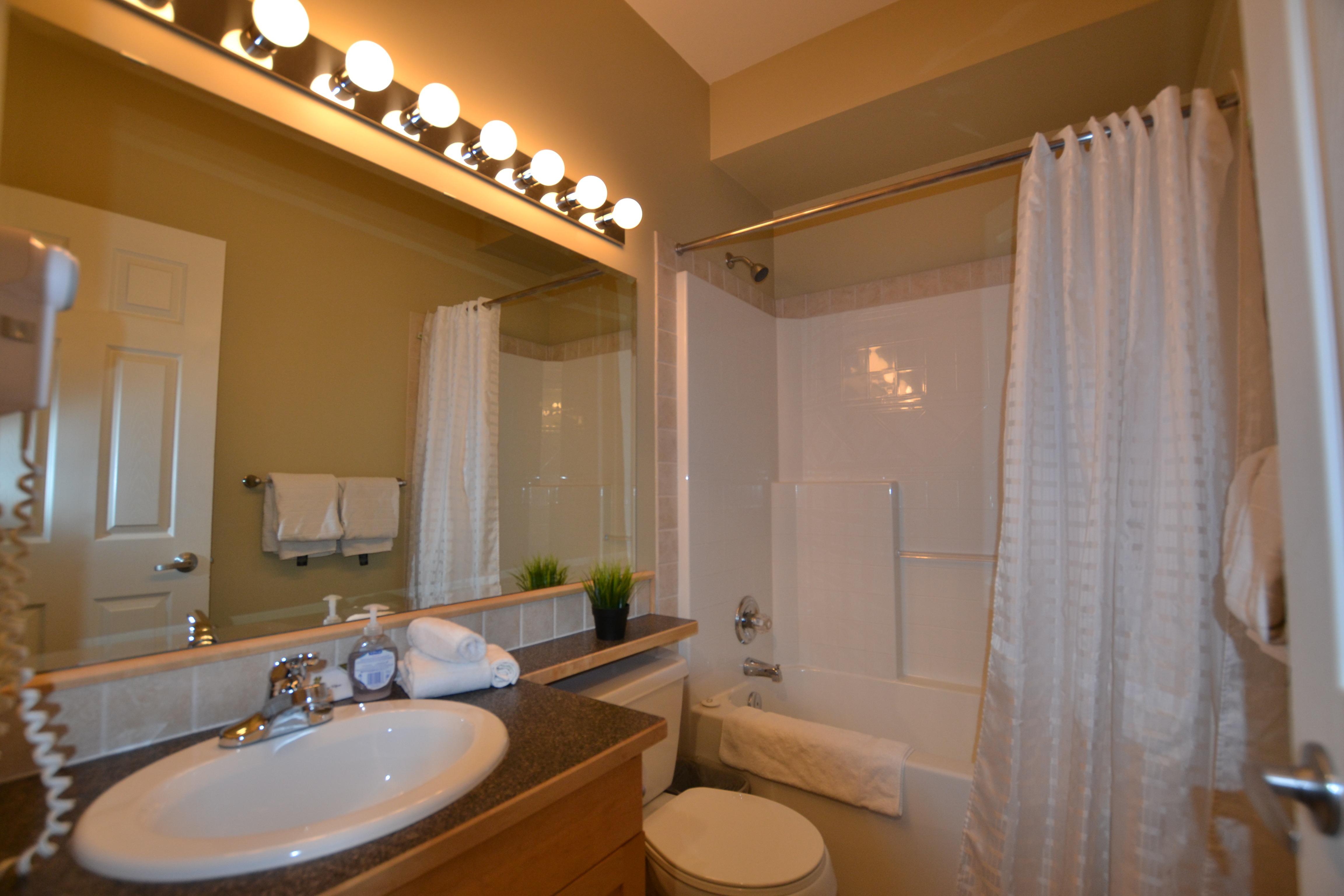 410 Bedroom 2 Bathroom