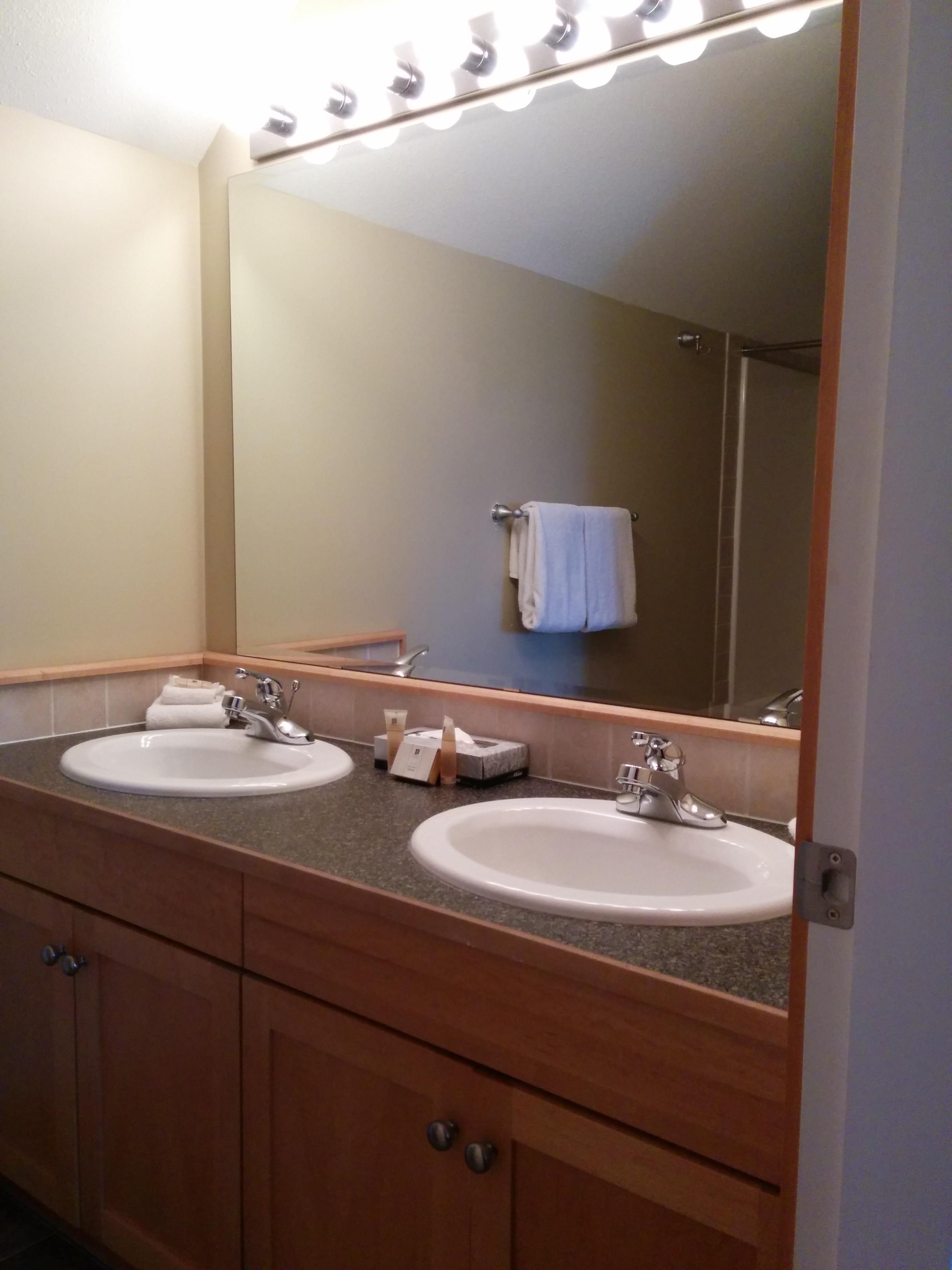 KR410-Loft Bathroom