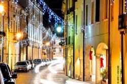 Via Carrarese , luminarie natalizie