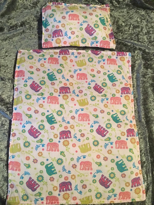 Dolly Bedding pillow and quilt set