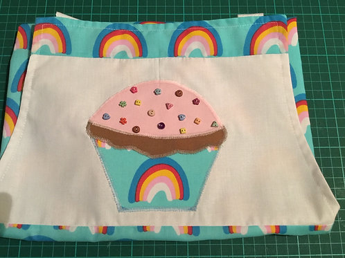 Child apron (approx 9 years)