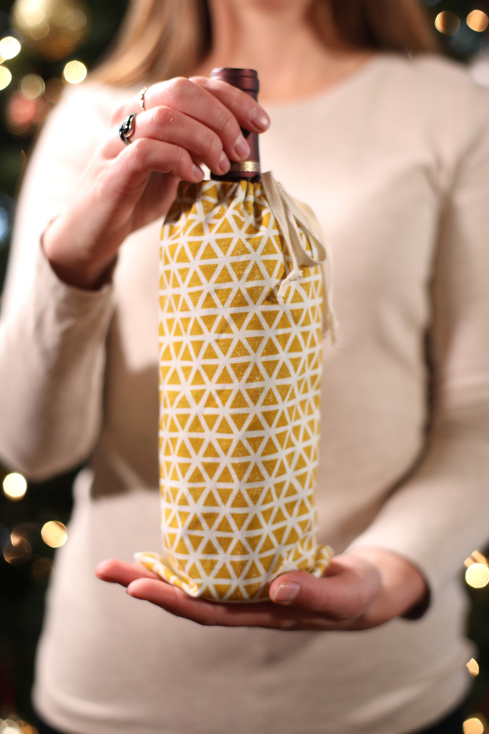 A large drawstring bag from Lakeshore Dry Goods who make organic cotton goods in Petoskey Michigan. Steph from the Each Day Slow blog shares more about them.