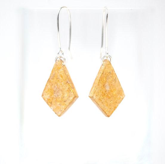 Onion Dyed Paper Diamond Earrings