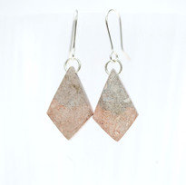 Birch Dyed Paper Diamonds