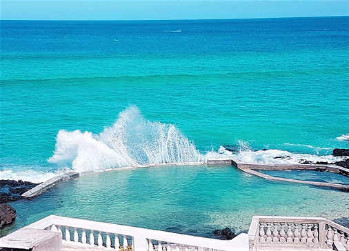 Vue sur la mer de l'hôtel de luxe aux Comores - Al Camar Lodge