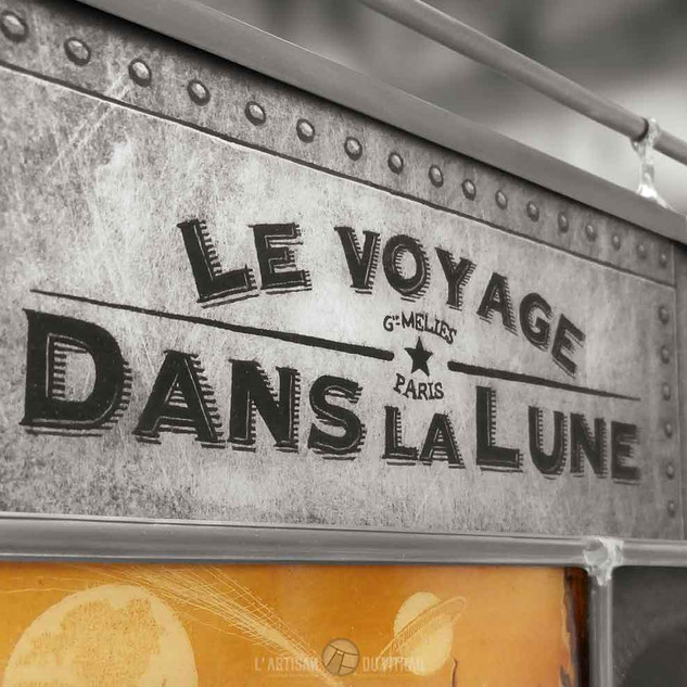 'Le Voyage dans la Lune' (détail) - Vitrail de décoration