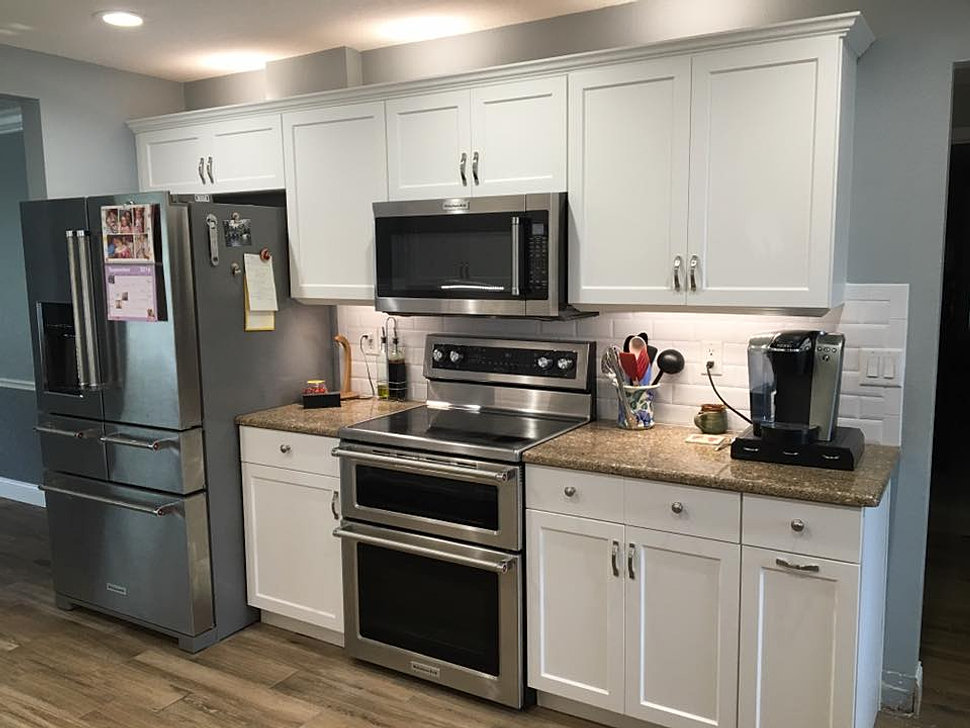Kitchen Renew Is A Custom Cabinet Refacing Company Serving Central Florida.  We Offer A Wide Variety Of Colors And Door Selections To Choose From.