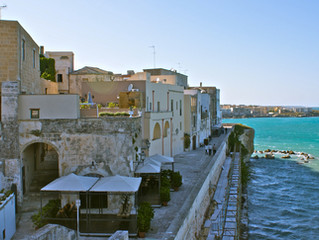 Mosaics and Martyrs: The Espressino Travel Guide to the Best of Otranto
