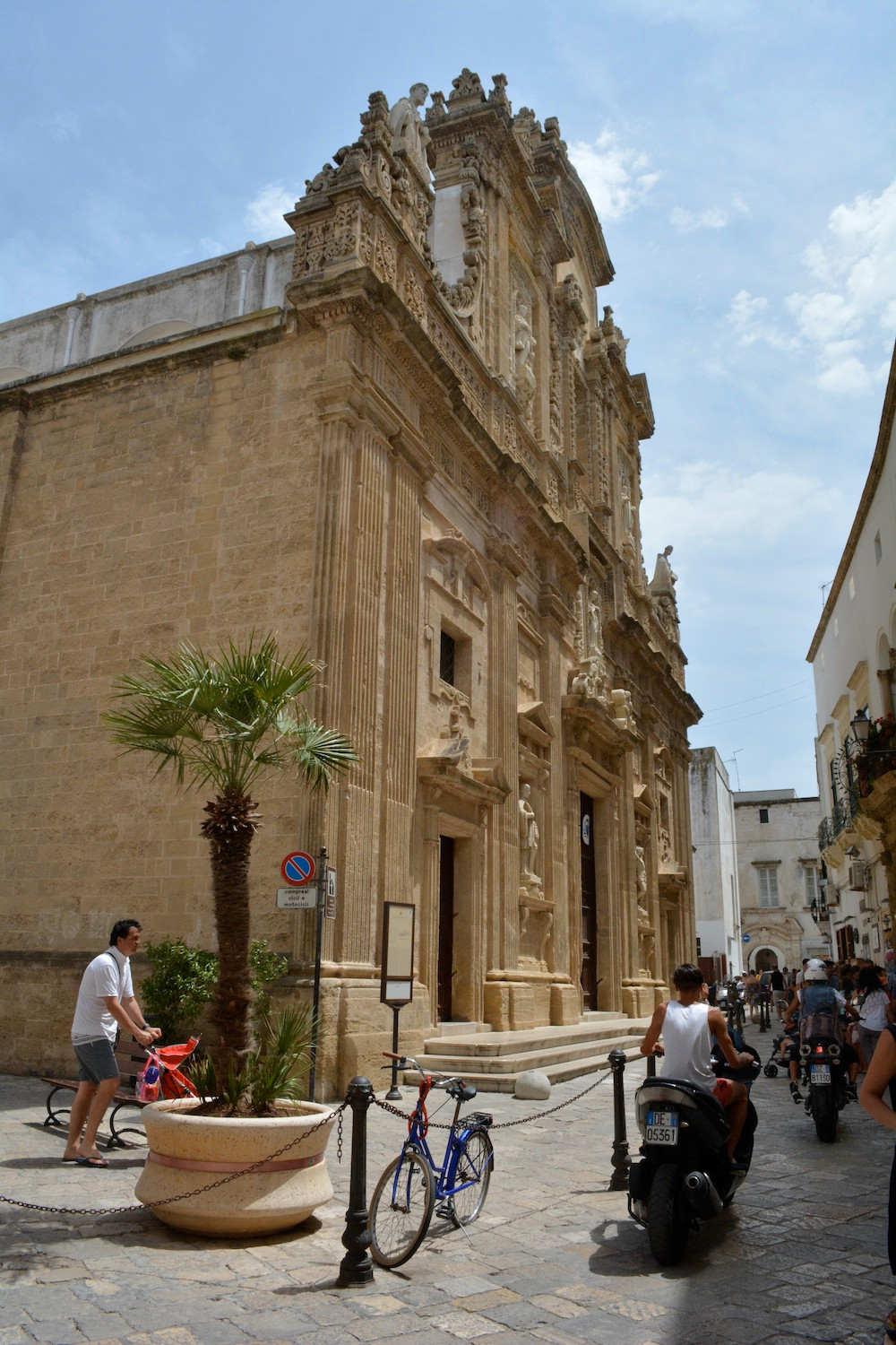 Gallipoli_Duomo_Espressino_Travel_Puglia_Tour.jpg