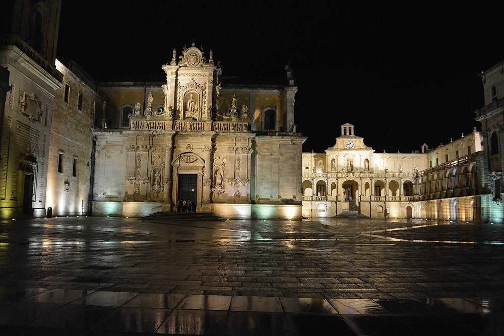 Lecce Piazza del Duomo.JPG