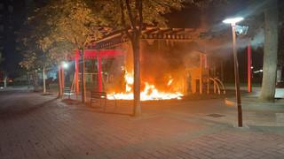 Acto vandálico deleznable - Queman un parque infantil en Miranda