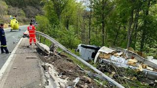 Brutal accidente de un camión en Arlanzón