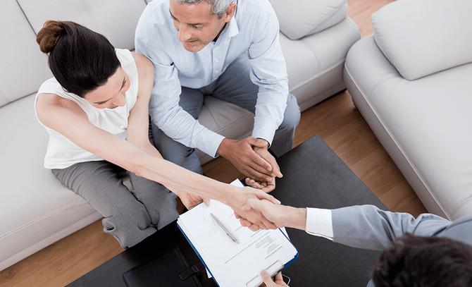 Grupos de Influência: Os 6 papéis de um cliente no processo de compra