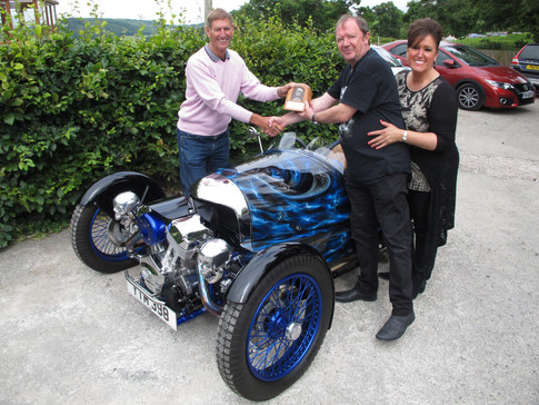 The winners of the Devamog concours