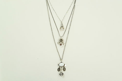 Collier triple rangs