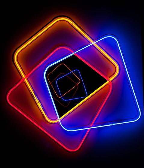 Granville Gallery miroir aux neons.jpg