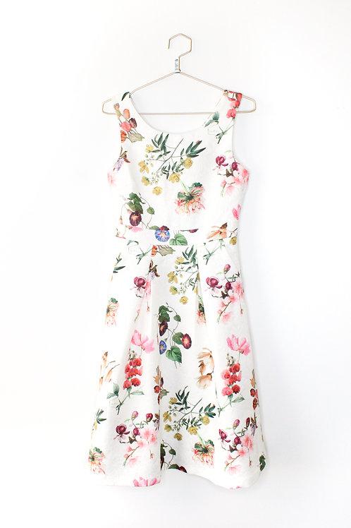 Yumi White Floral Midi Dress Size XS