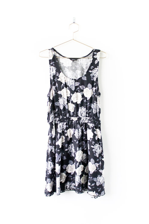 Talula Grey Floral Dress Size Large