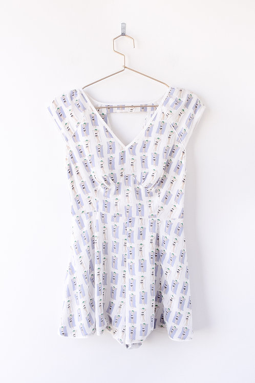 Harlyn Suntanning Lady Romper Size Small