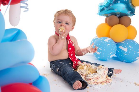 Cake Smash 1st Birthday 02.jpg