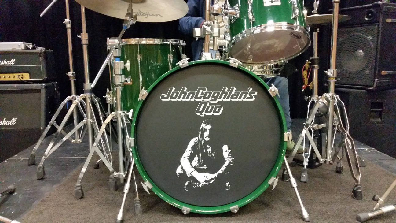 Quo custom drum head