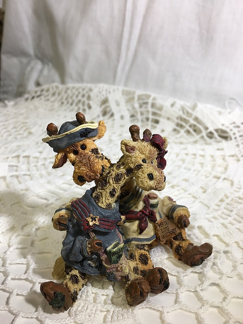 "Figurine: Boyds Bears & Friends1999 ""Stretch and Sky Longnecker...The lookouts"""