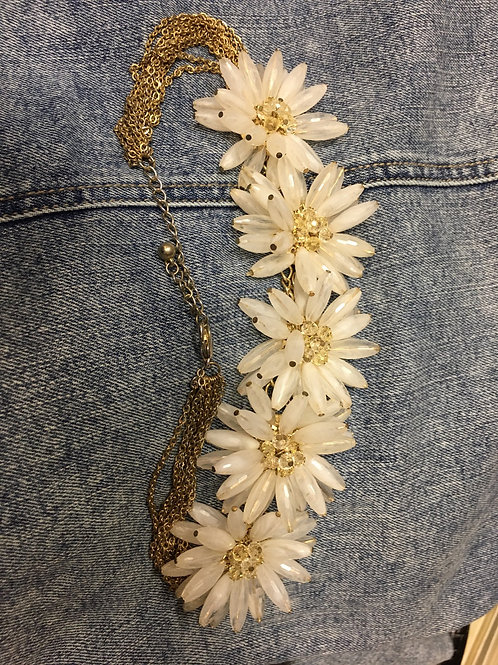 Necklace: 5 White Large Lucite Bead Daisy Flowers on Gold Tone Chain Necklace