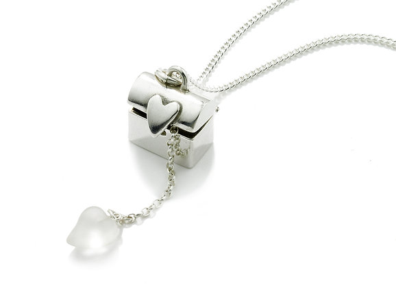 Treasure chest necklace from Vicky Davies