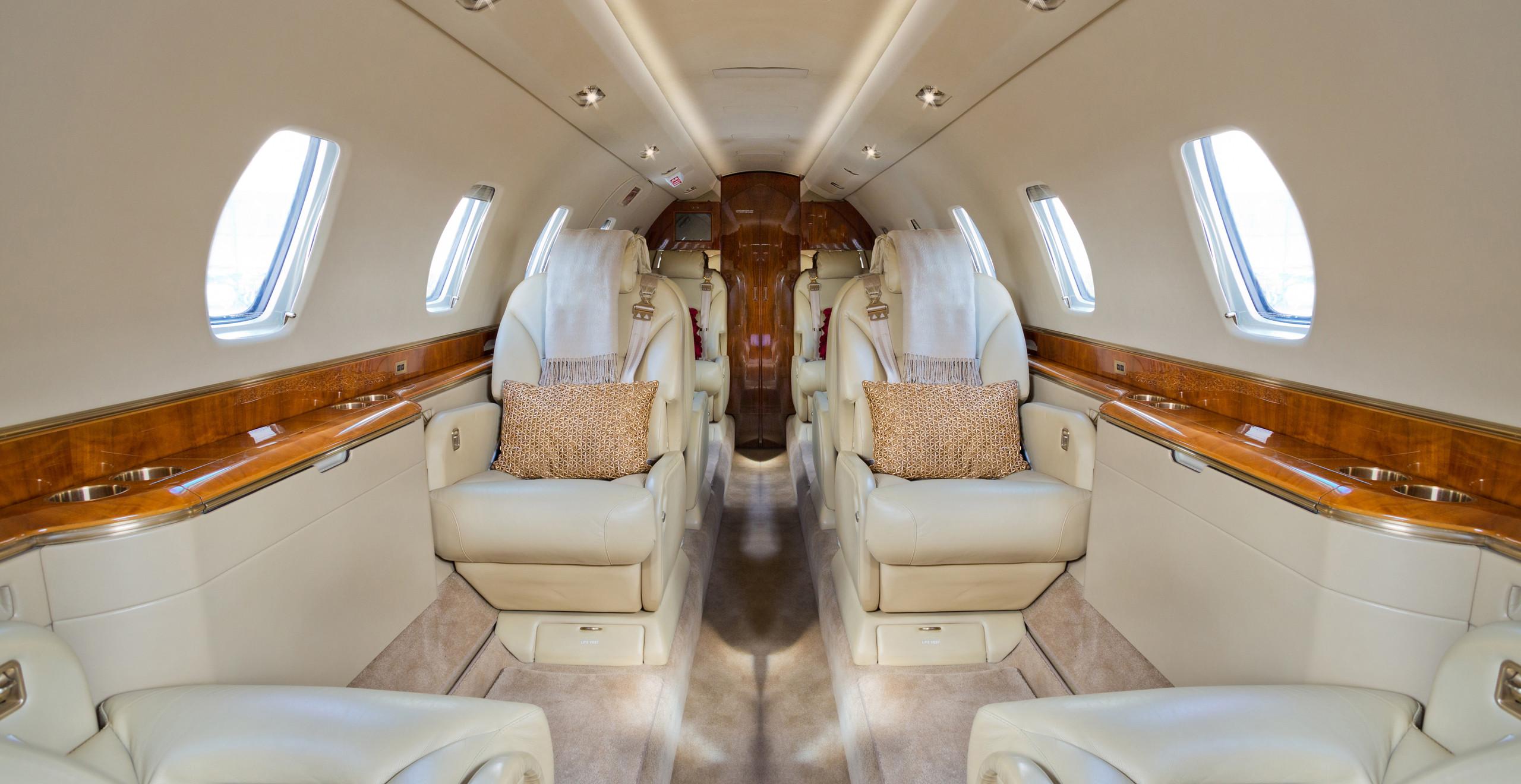 Light Jet - Interior