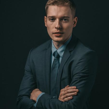 LinkedIn_corporate_portrait