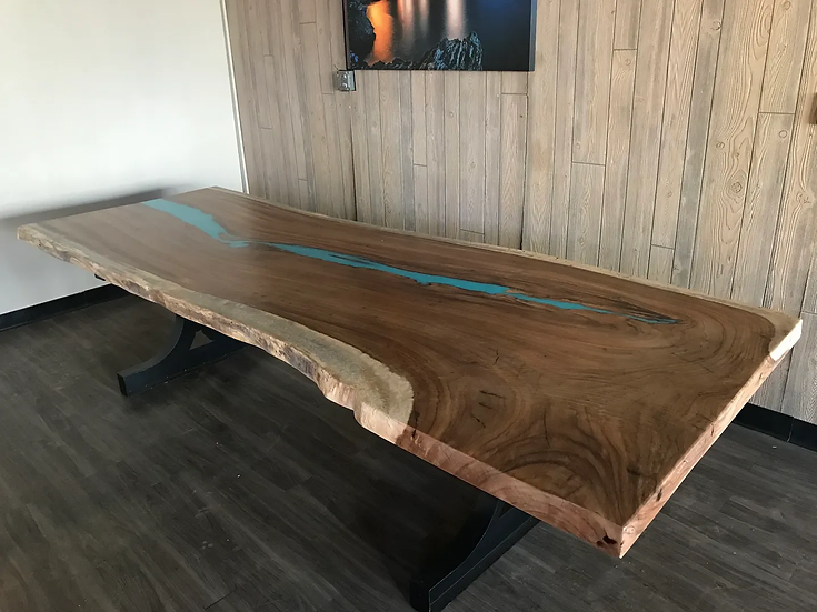 Epoxy river, Live edge dining table