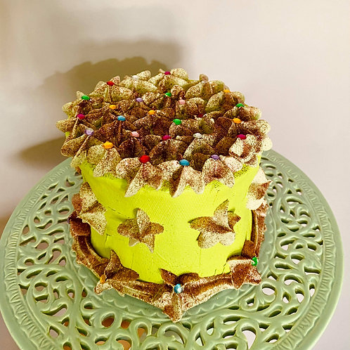 One tier fake cake