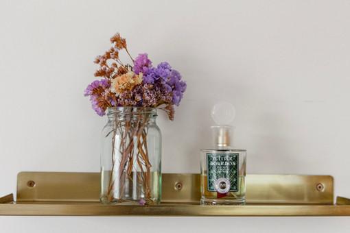 על המדף הזהוב, פרחים מיובשים שלא דורשים כל טיפול ( אך משמחים את הלב )