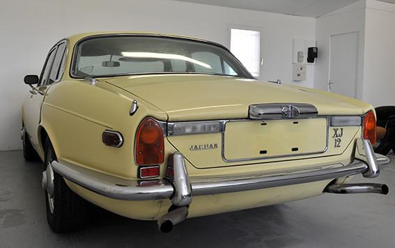 Jaguar_XJ12_série_1_G.jpg
