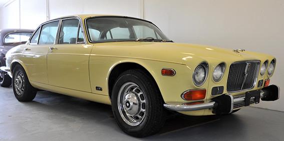 Jaguar_XJ12_série_1_B.jpg