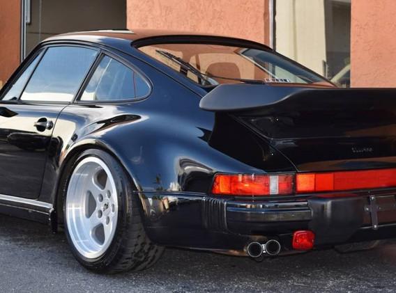 Porsche 930Turbo-6.jpg