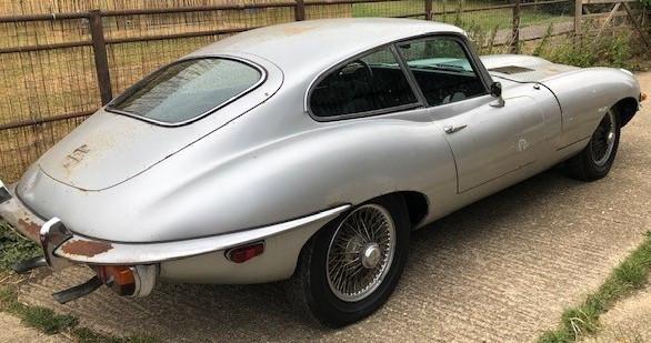 Jaguar type E grise.jpg