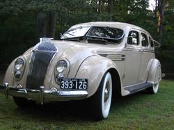 Chrysler C10 Imperial Sedan