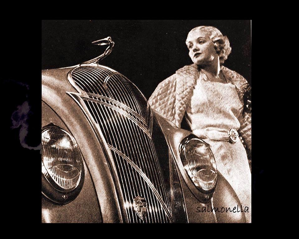 1936 DeSoto S2 glamour ad