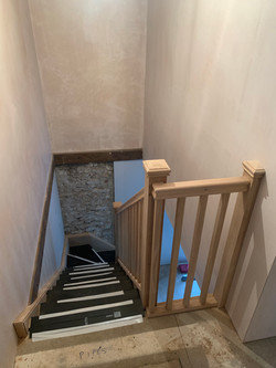 Solid oak staircase with oak treads, oak rise and oak stairparts