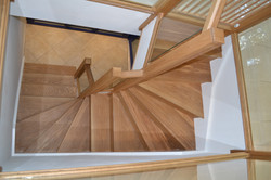 Solid oak tread and rise winder staircase