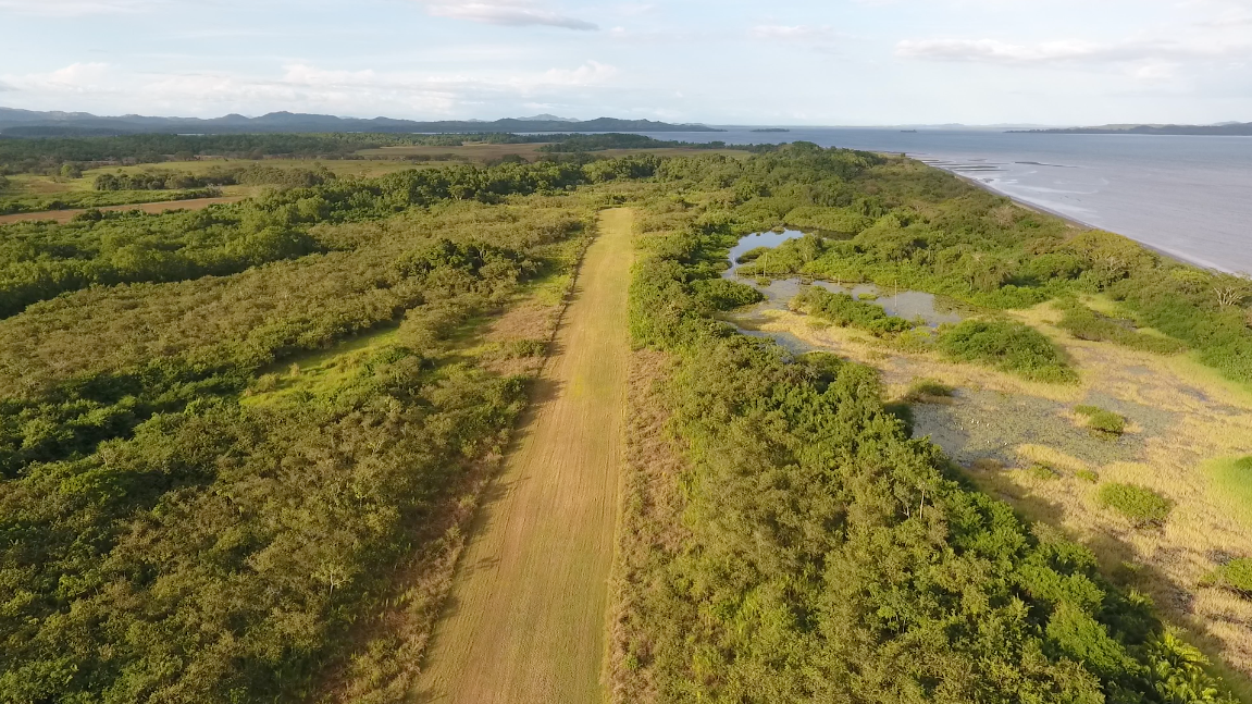 Lago Bay Air Strip 1.png
