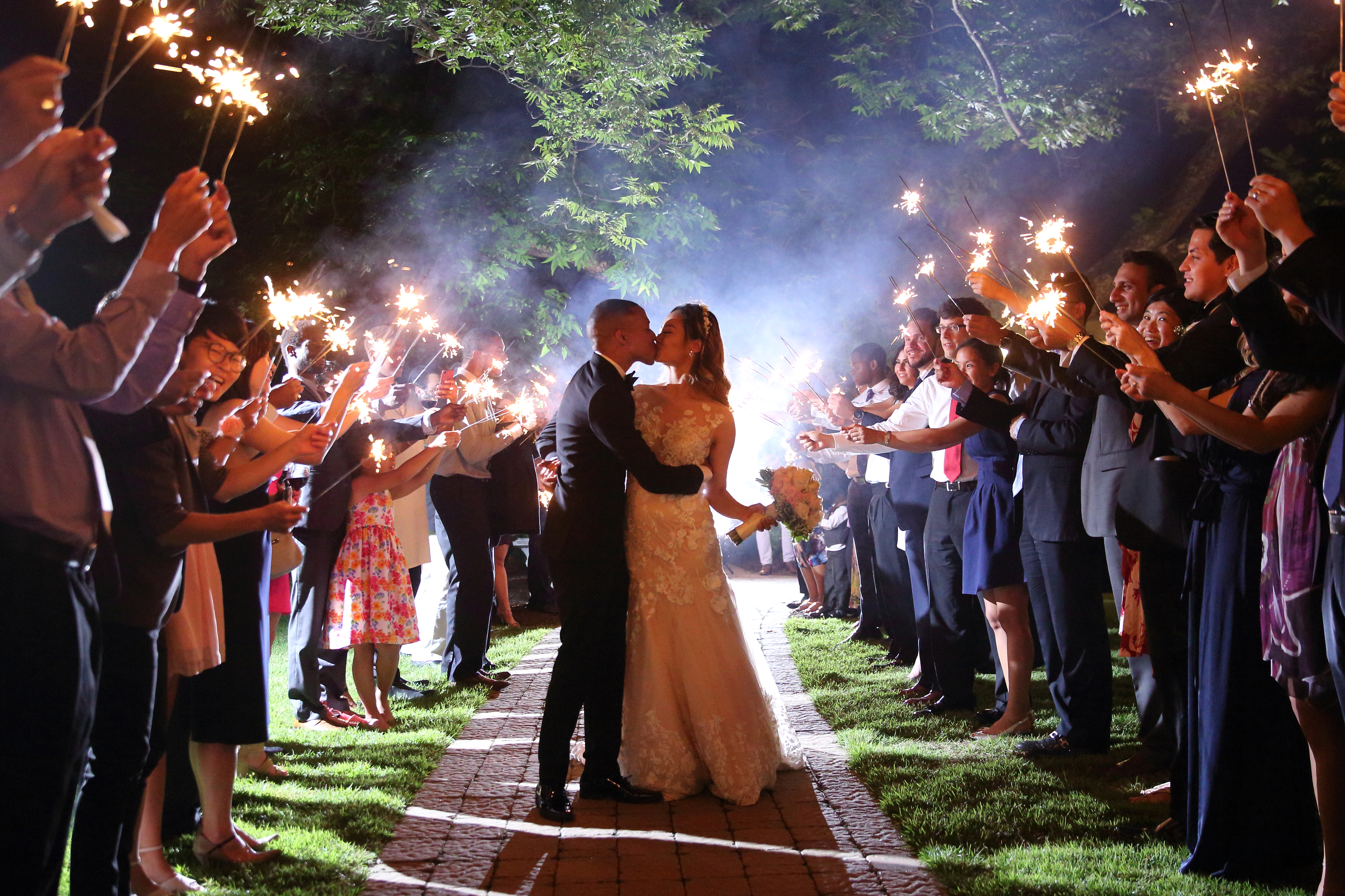 sparklers kiss