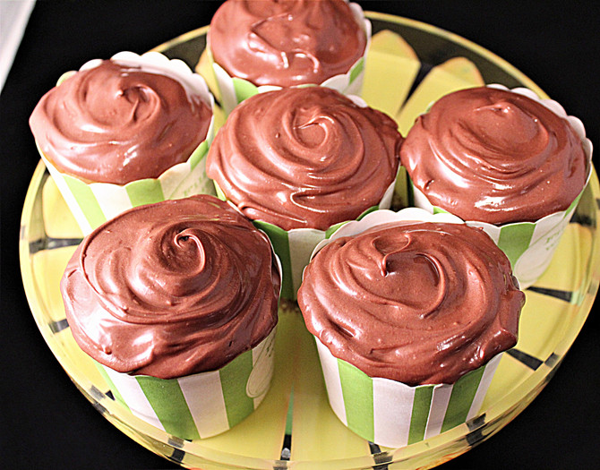 Sugar-Free Chocolate Truffle Yellow Cupcakes